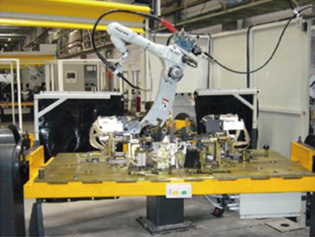 前副车架的机器人系统焊接