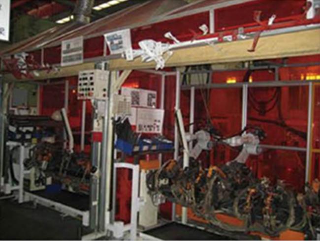 汽车仪表盘支架的机器人系统焊接
